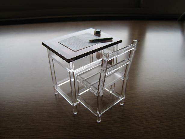 机と椅子 02.JPG